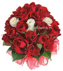 Make your love to know how much you love them Bunch of 30 Valentine Red and White Roses for special one in your life.