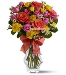 Beautiful Mixed Roses in a Simple Glass Vase for your Love. 40 Mixed Roses