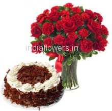 Glass Vase with 15 Red Roses and 15 Carnation and Half Kg. Black Forest Cake