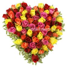 100 Mixed Valentine Roses in a Heart Shape